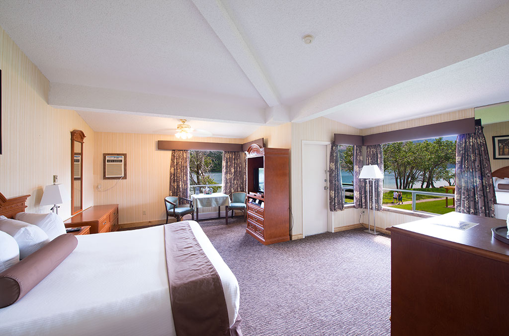 Bayshore Inn Rooms