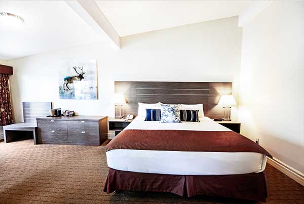 bayshore-inn-spa-romantic-suite-inner-page-image2